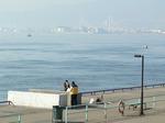 f0463 鳴尾浜海釣り公園から神戸方面を眺める